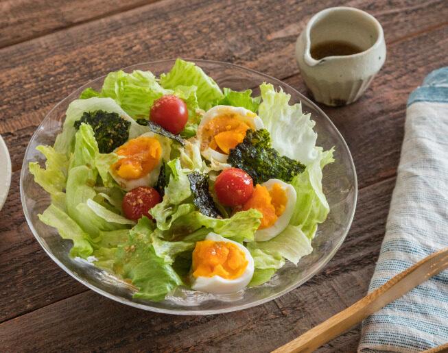 ゆで卵とレタスのごまごまサラダ