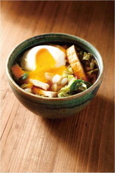 白菜と油揚げの中華スープ