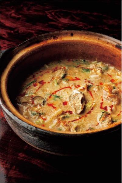 牡蠣と豚ばらのごまスープ鍋